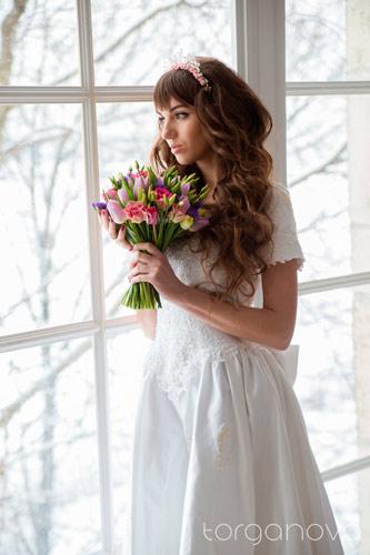 Букет невесты из тюльпанов и эустомы