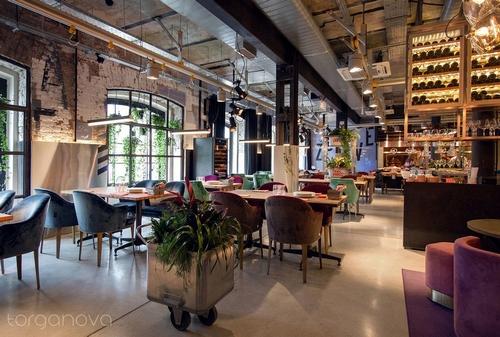Оформление ресторана Beefzavod живыми растениями