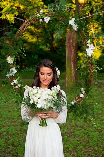 Лесная фотосессия невесты