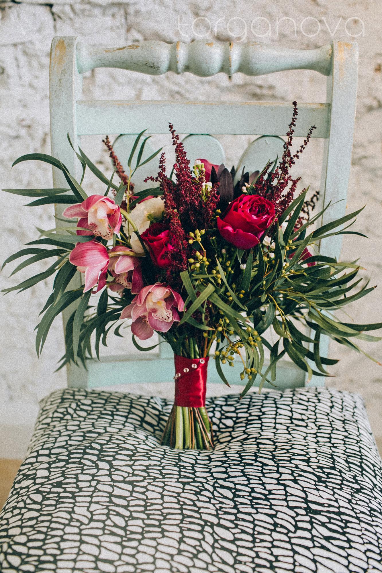 Свадебный букет с орхидеей